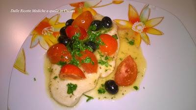 petto di pollo con pachino e olive nere