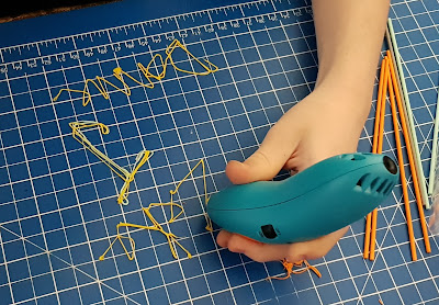 3Doodler Start 3D printing pen review beginning with 2D practise
