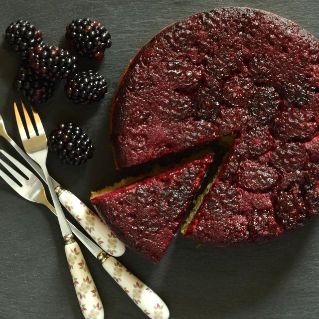 Easy blackberry cake.