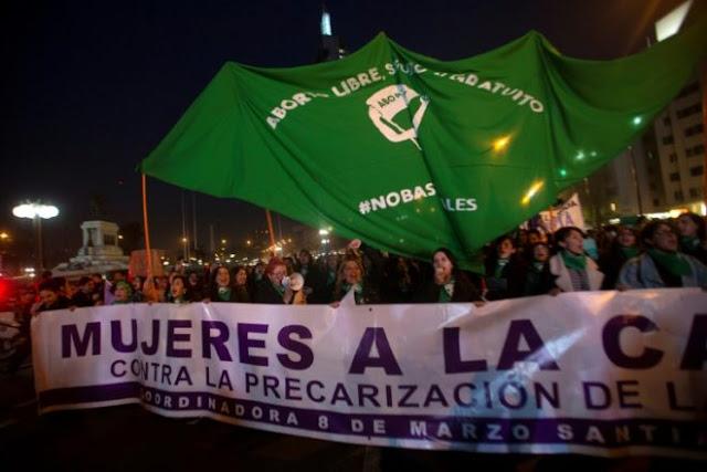 Periodistas condenan crímenes de odio en marcha pro aborto y piden proteger identidad de víctimas