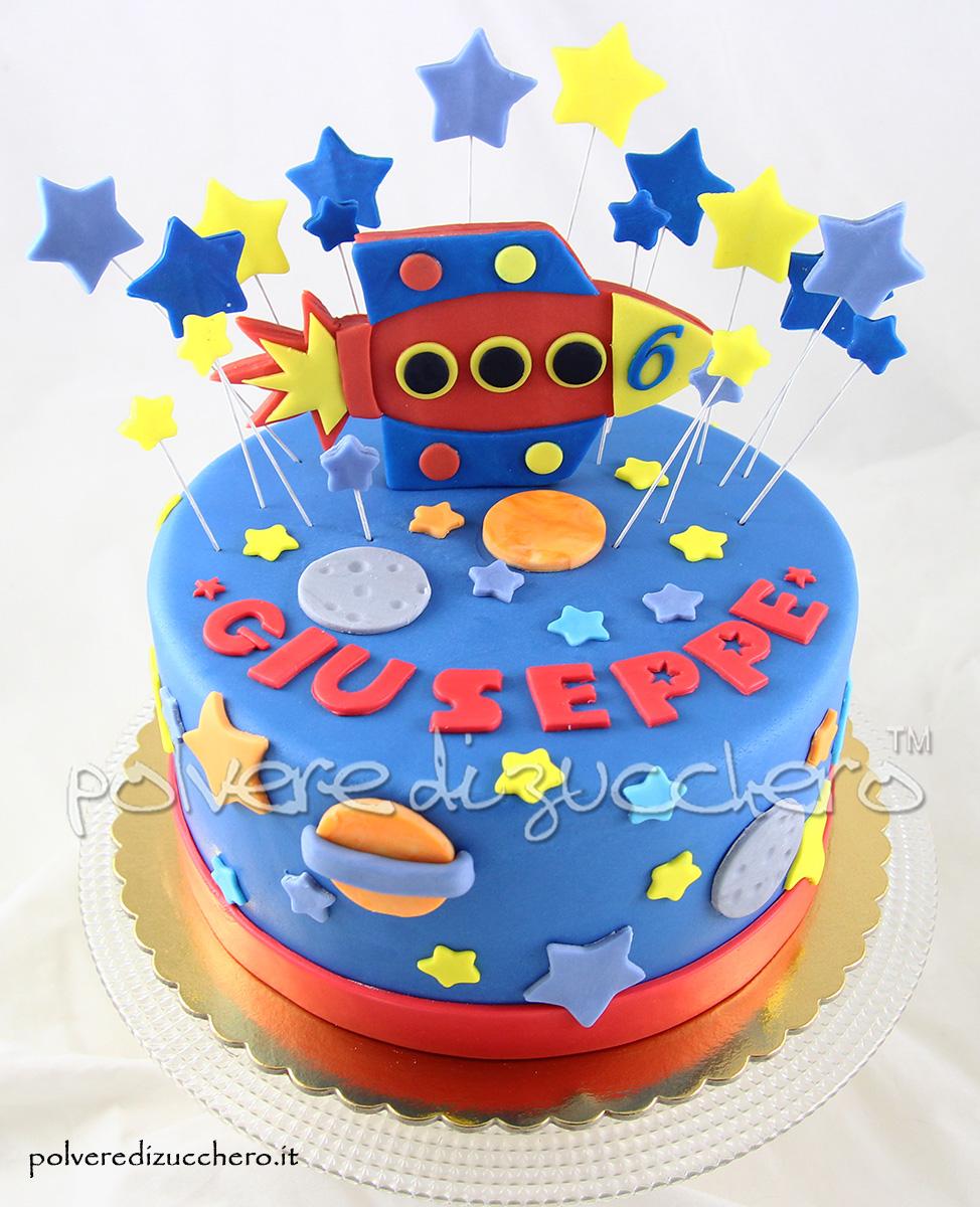 torta decorata spazio navicella spaziale stelle cake design polvere di zucchero