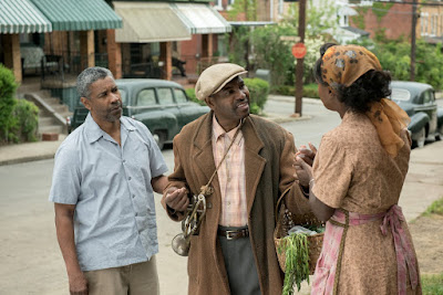 Denzel Washington, Viola Davis and Mykelti Williamson in Fences (22)