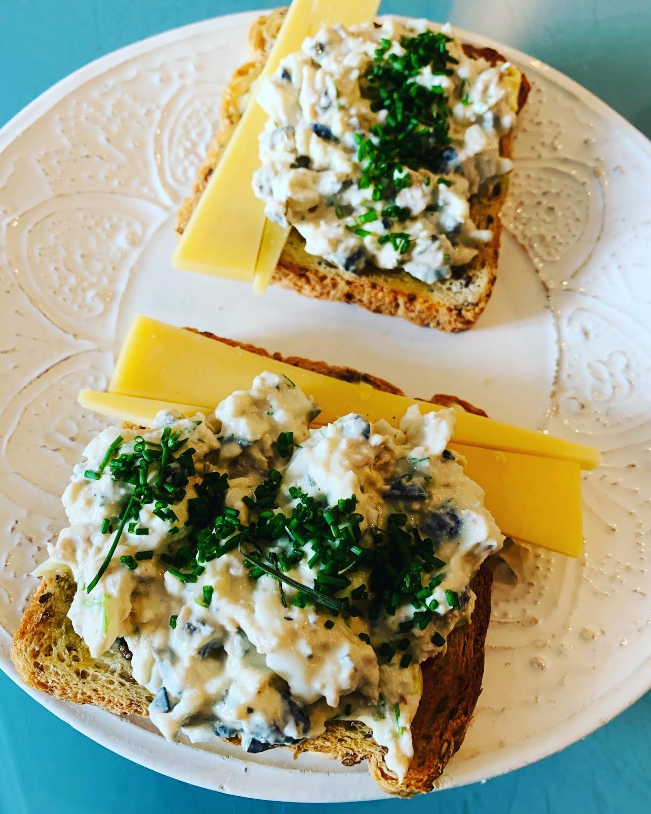 Pasta śniadaniowa – tuńczykowo szczypiorkowa plus 5 innych