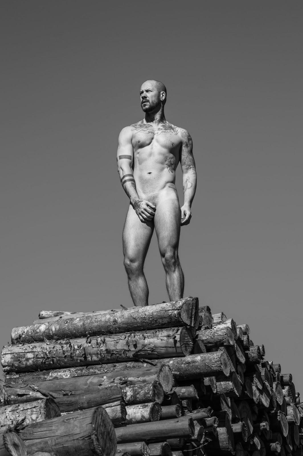NudE WooD IV