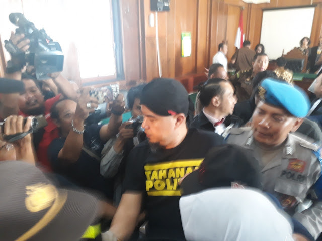 Ahmad Dhani Bukan Penjahat Cuma Beda Pandangan Politik dengan Penguasa