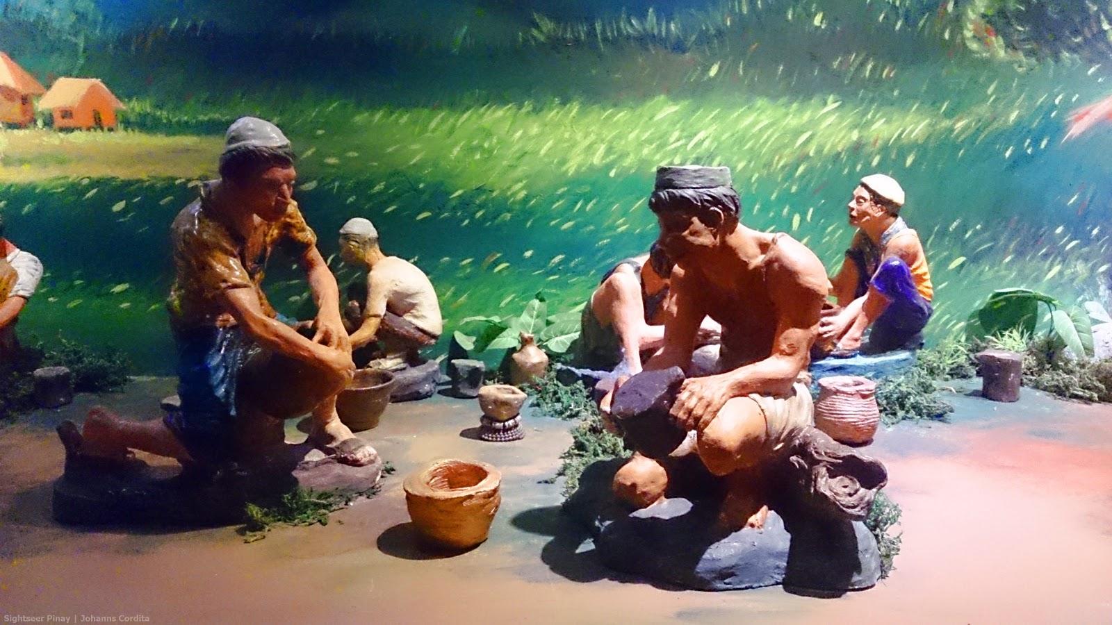 Museum Tour   Museum of Three Cultures