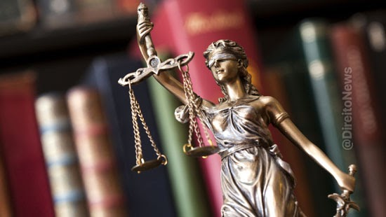 juiza rejeita queixa crime professor aluno