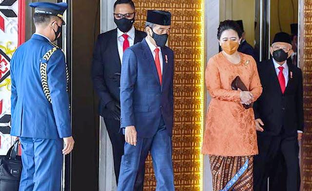 Jokowi dan Puan Diberi Gelar Penjahat Konstitusi