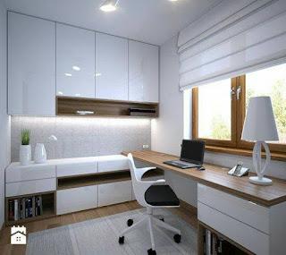 oficina con ventanales