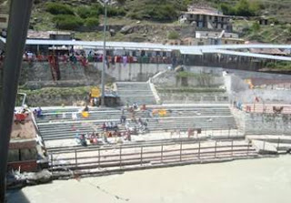Badrinath-Bathing-Ghat-Site