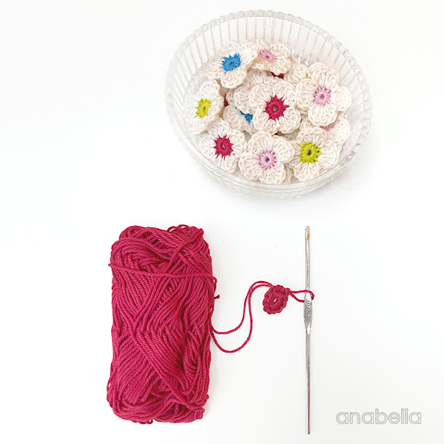 Tiny flowers by Anabelia Craft Design