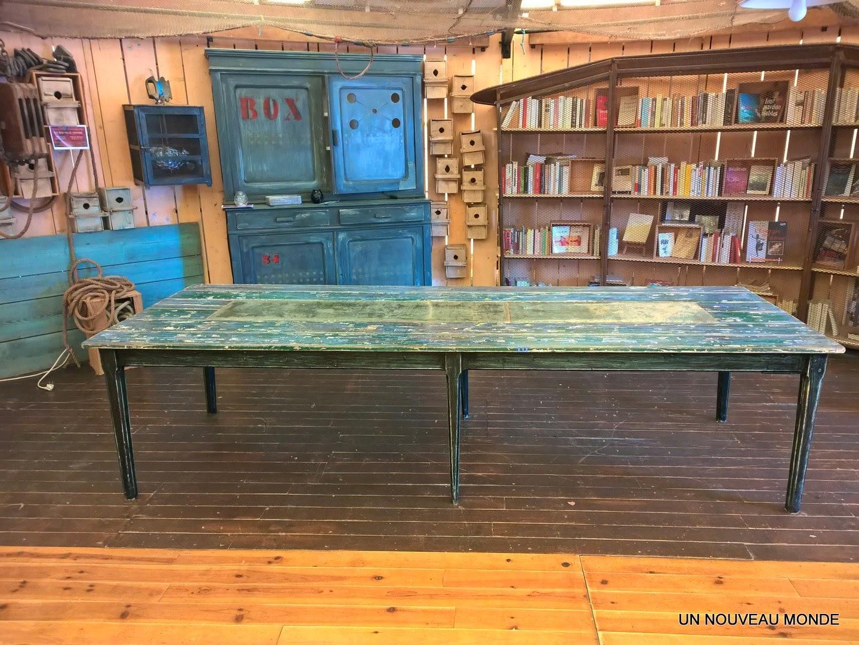 Awesome un chemin de table en zinc ajoute un cot dco et for Recouvrir une table de zinc