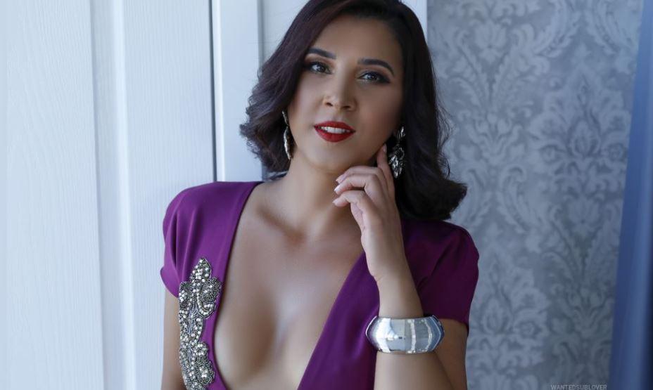SarraEvans Model GlamourCams