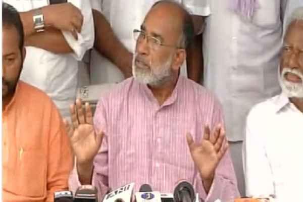union-minister-alphons-kannanthanam-told-petrol-kyon-manhga-hai
