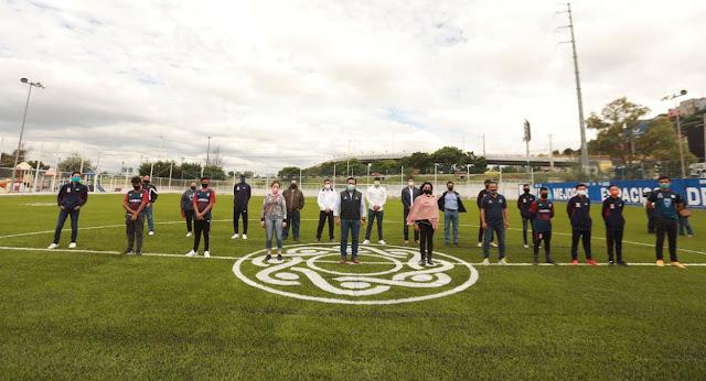 Luis Nava entrega cancha de fútbol en la Unidad Deportiva Ejido San Pablo