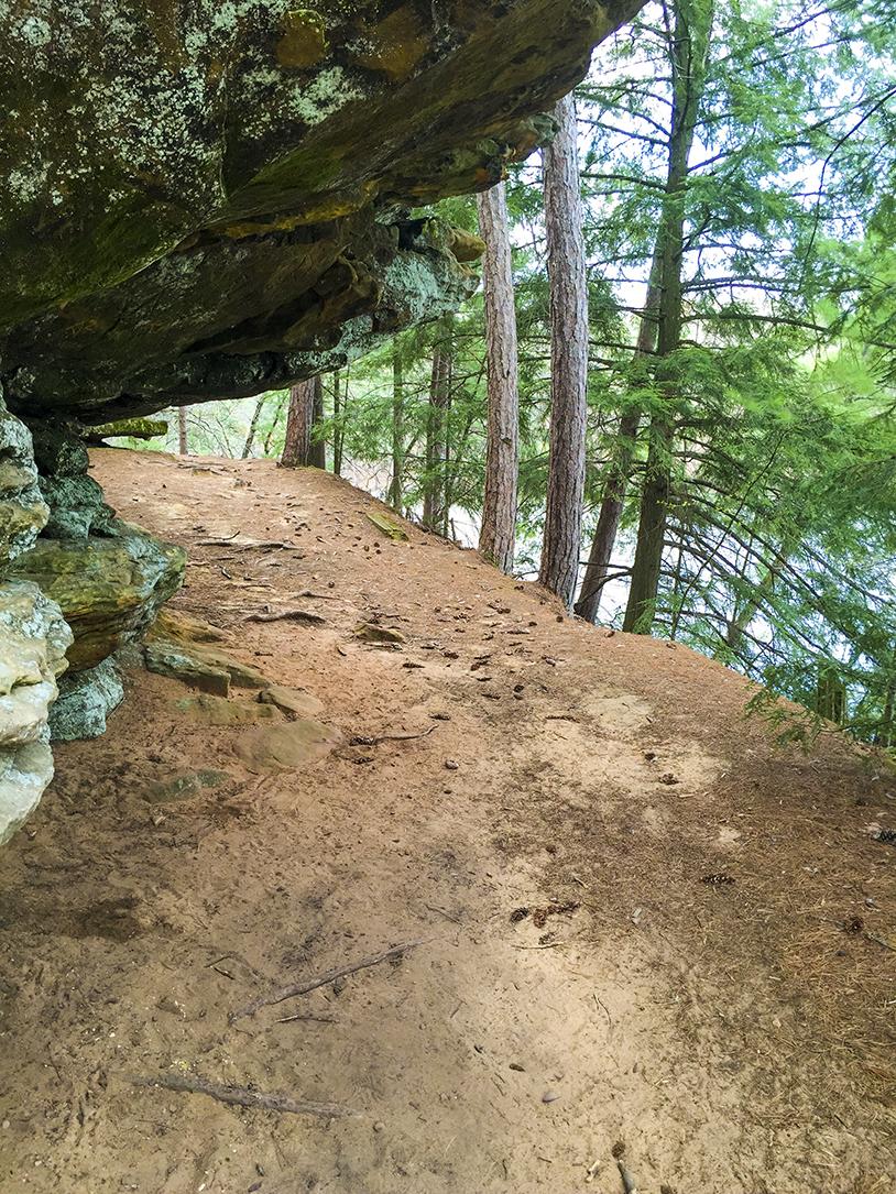 Wisconsin Explorer Hiking Echo Rock At Mirror Lake State Park
