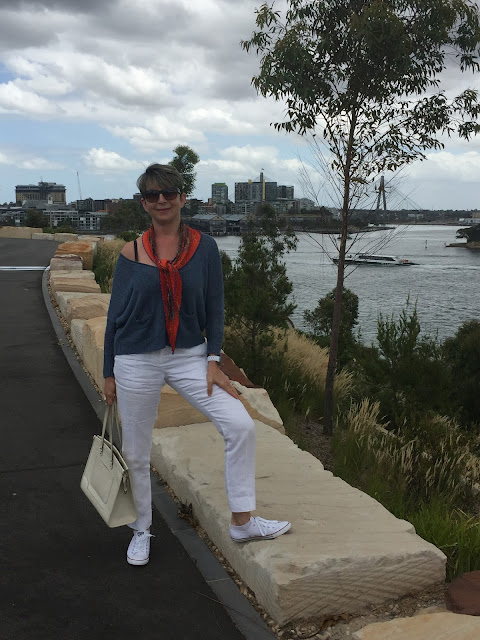 EXPLORING SYDNEY - TAKING A WALK AROUND BARANGAROO