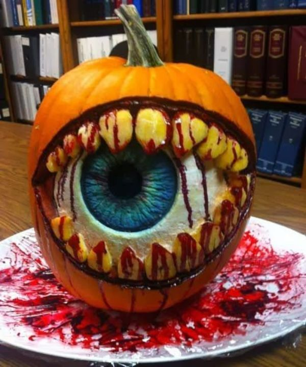Cool Pumpkin carving - Eye Ball