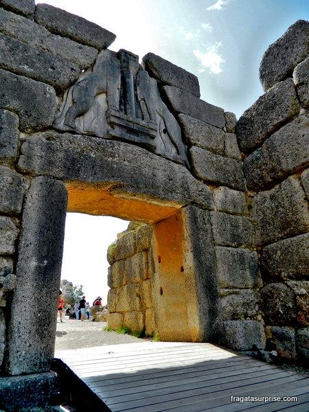 Porta dos Leões, entrada da cidadela de Micenas, Grécia