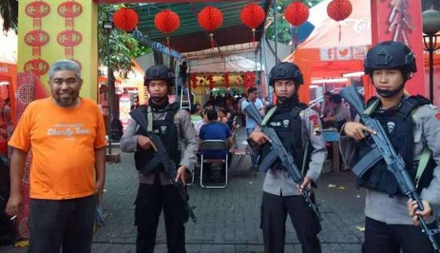 Wih, Adanya Protes dari Ormas Islam, Festival Makan Babi Dijaga Brimob Bersenjata