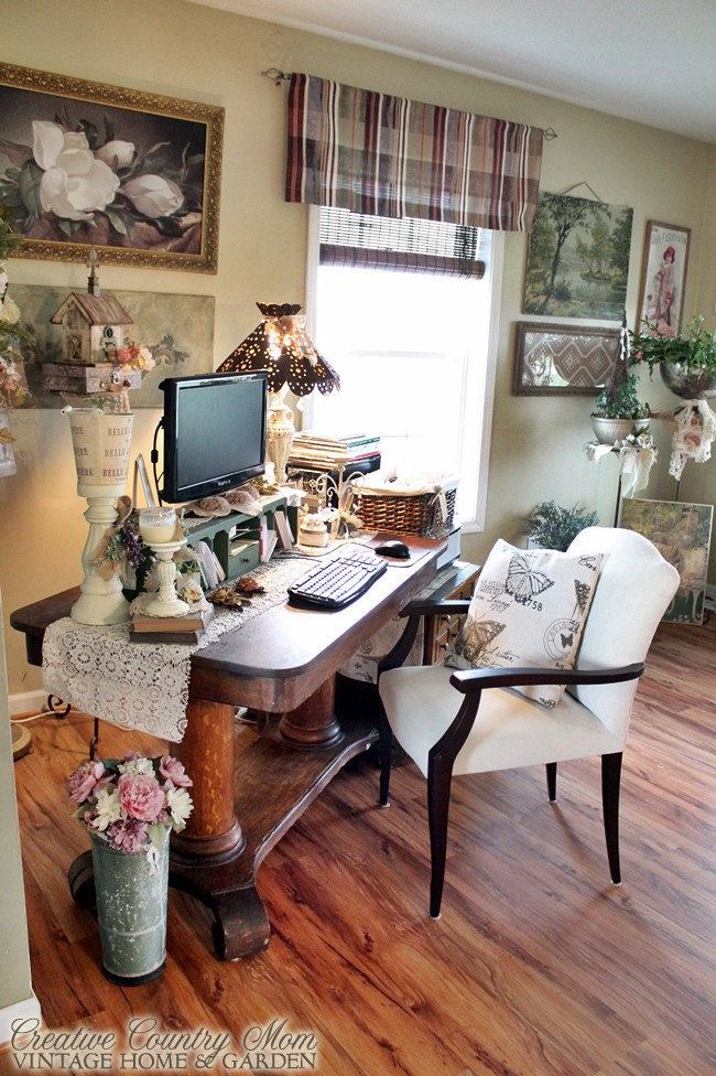 My Creative Corner   A Vintage Style Desk and Work Space. Creative Country Mom  My Creative Corner   A Vintage Style Desk
