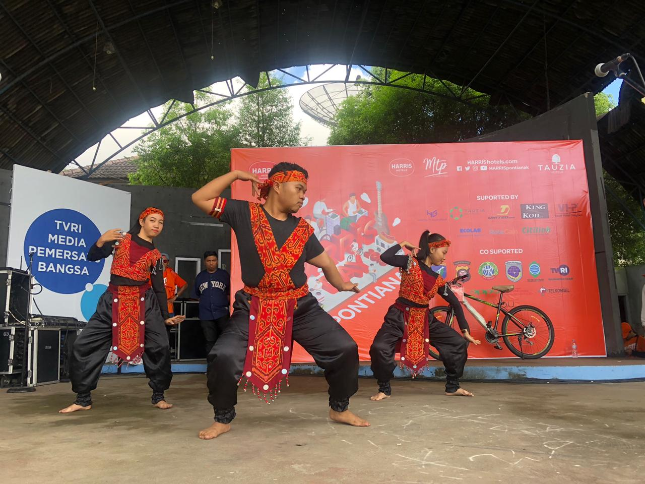 Semarak Fun Bike HARRIS Day 2019 di Kota Pontianak