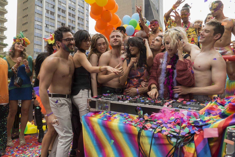 El reparto de Sense8 de Netflix disfrutando del Sao Paulo Pride