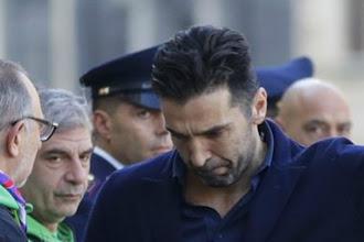 Οι οπαδοί της Φιορεντίνα χειροκρότησαν τους παίκτες της Γιουβέντους