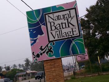 Pengalaman Membuat Batik di Natural Batik Village Kuantan