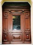 Drzwi zabytkowe stylizowane do kamienicy