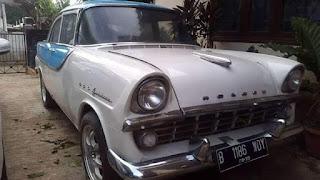 Dijual Sedan Klasik Holden Simpenan Eyang
