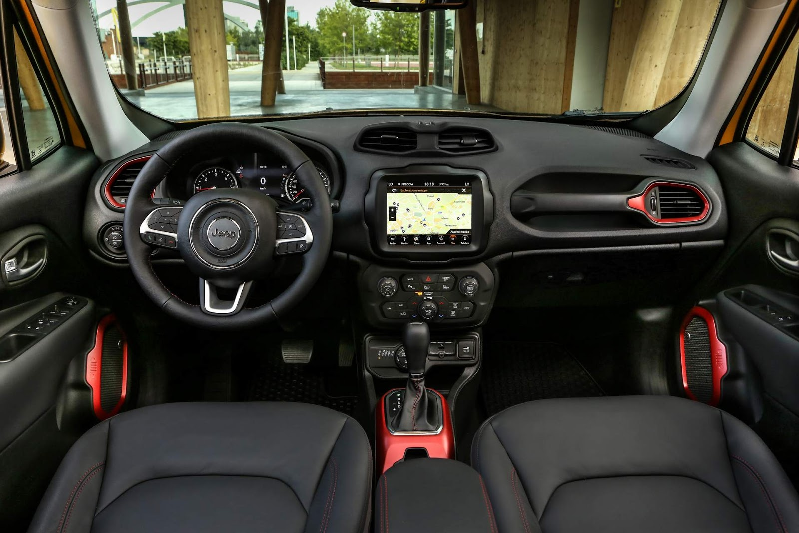 jeep renegade trailhawk 2019 fotos e detalhes oficiais car blog br. Black Bedroom Furniture Sets. Home Design Ideas