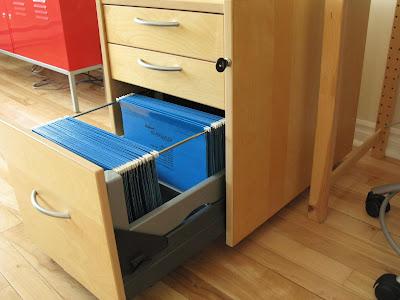 thrifty bargains sold ikea drawer unit on casters 60. Black Bedroom Furniture Sets. Home Design Ideas