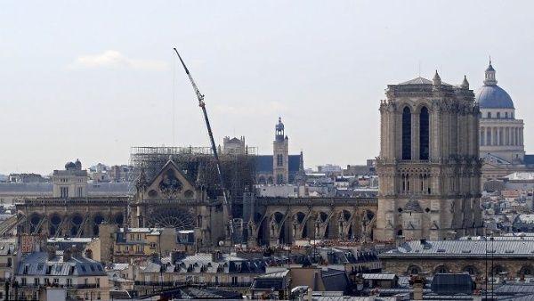 Francia anuncia concurso de arquitectos para reconstruir aguja de Notre Dame
