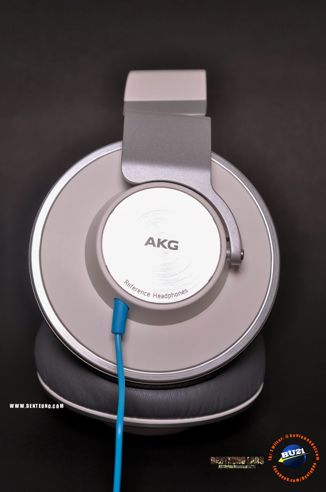 AKG K551 Glamshot
