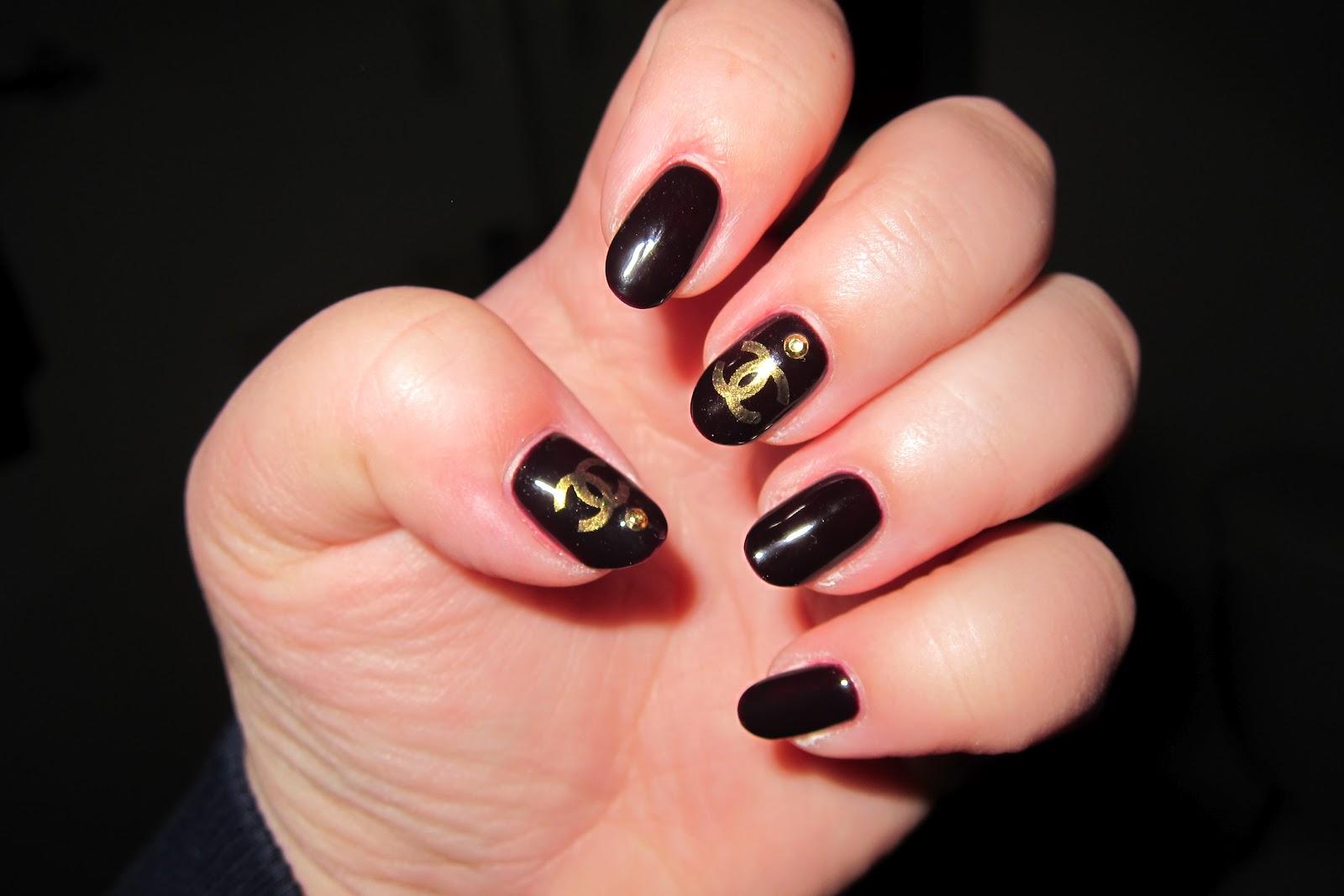 Nail Art World - gallery of nail design: Chanel Design Nails