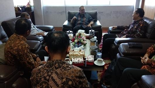 Soal Perang Terhadap LGBT, Wagub Nasrul Abit Didatangi Komnas HAM