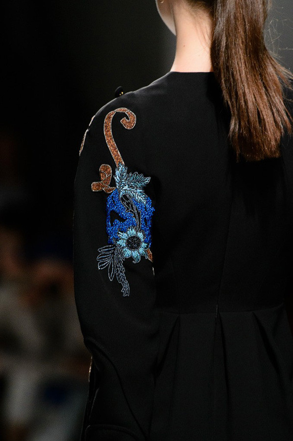 Paris Fashion Week The Amazing Details AW17 by Guy Laroche {Cool Chic Style Fashion}