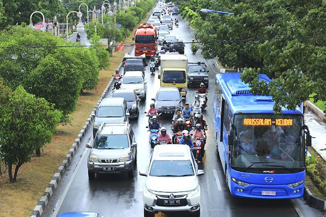 Trans Koetaradja di Jalan Daud Beureueh  Foto PM Oviyandi Emnur - Unsyiah Sebagai Jantung Hati Rakyat Aceh di Kota Pelajar dan Mahasiswa Darussalam