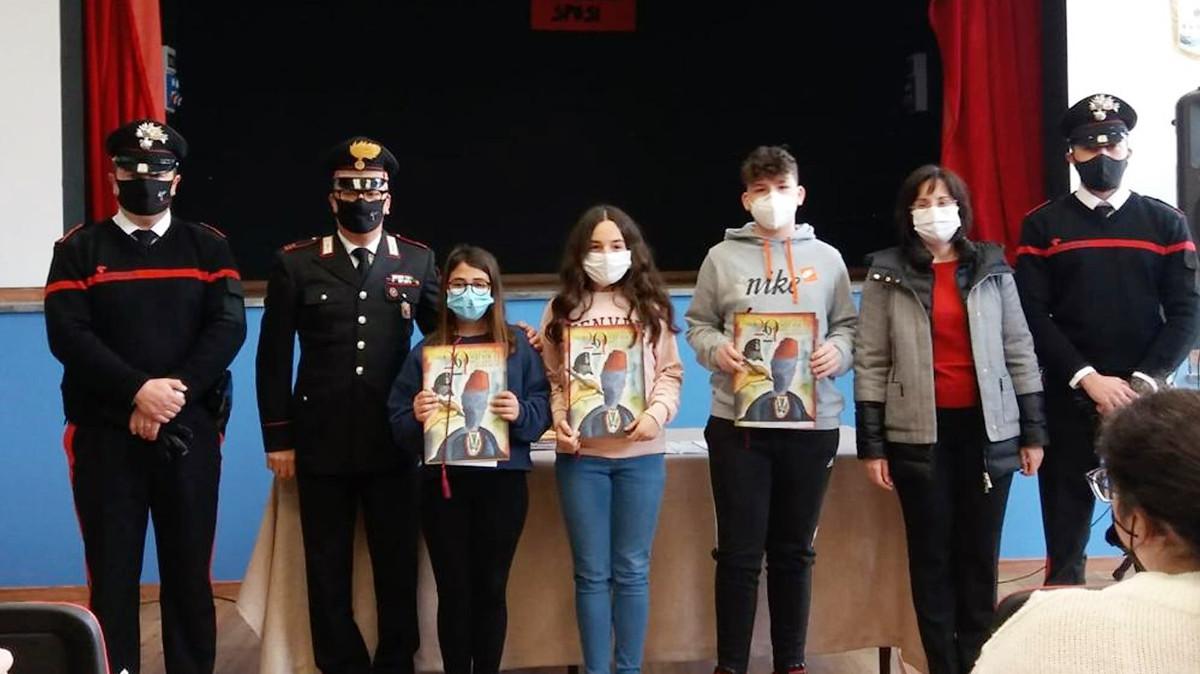 gli alunni di Licodia Eubea premiati dai carabinieri