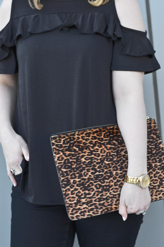 leopard printed clutch outfit