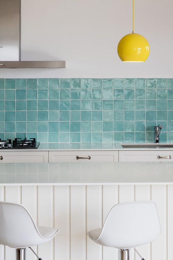 Baldosas tipo metro o hidráulicas, ideales para dar vida a tus paredes
