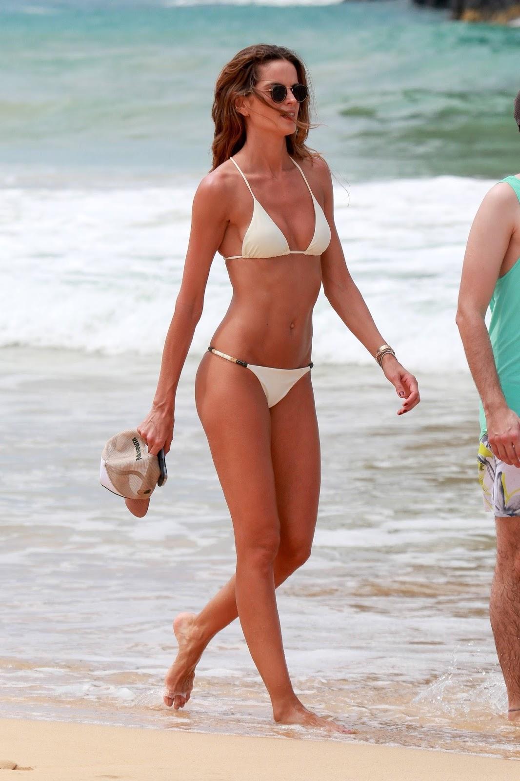 Izabel Goulart in Bikini