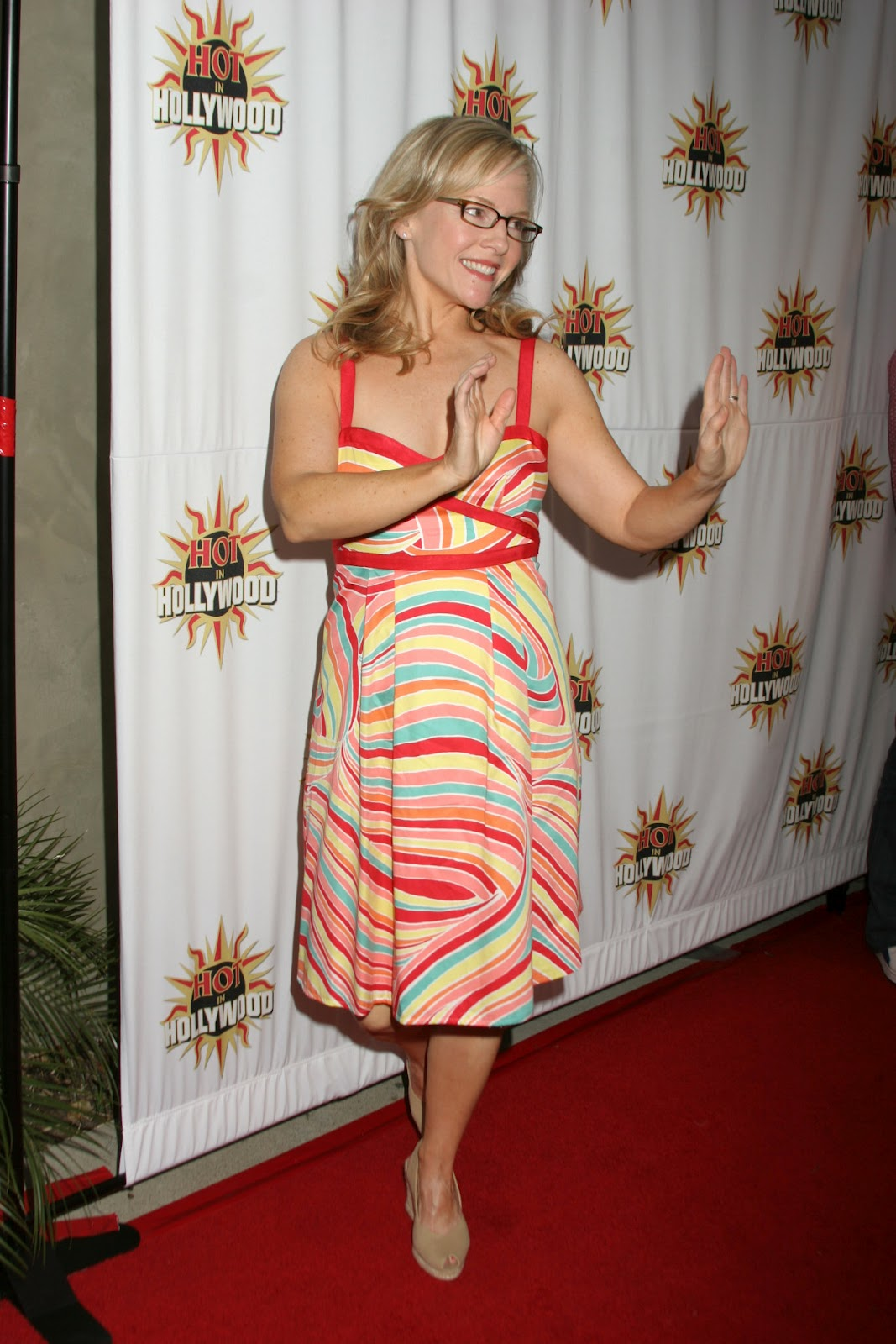Fashion And Glamour Rachael Harris