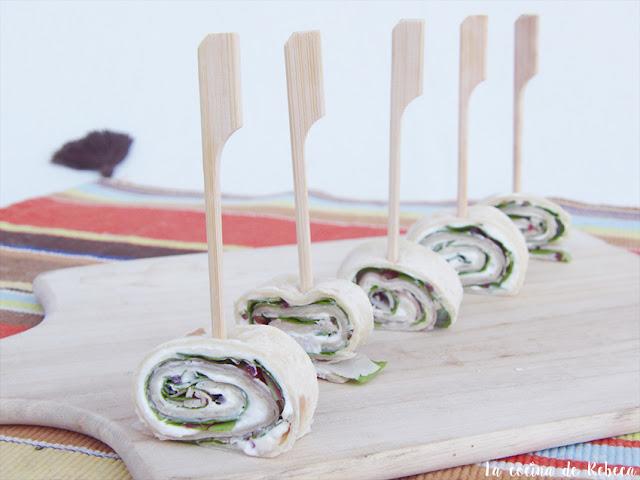 Rollitos de lacón con semillas de amapola