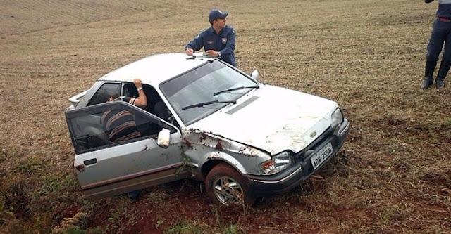 Manoel Ribas: Veículo capota após motorista perder controle da direção