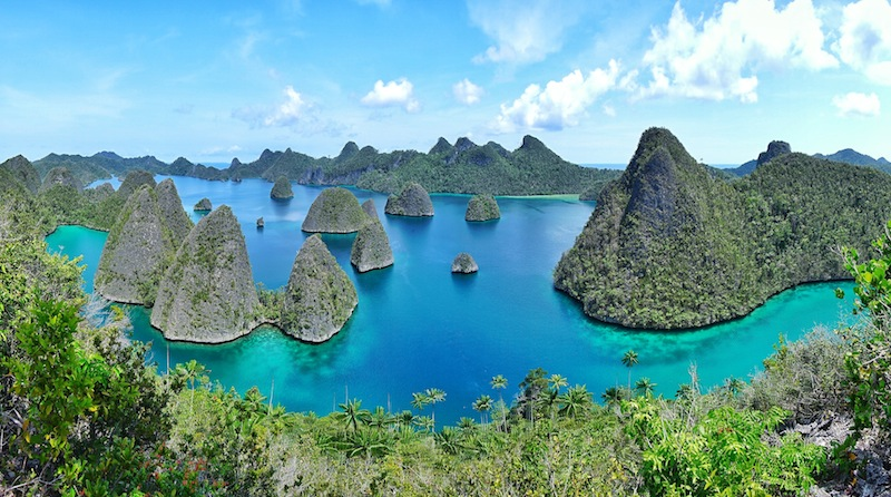 "<a href=""http://mataram.info/things-to-do-in-bali/visitindonesia-banda-marine-life-the-paradise-of-diving-topographic-point-inward-fundamental-maluku/"">Indonesia</a>best destinations : When I Hold Out View The Iconic Wayag"