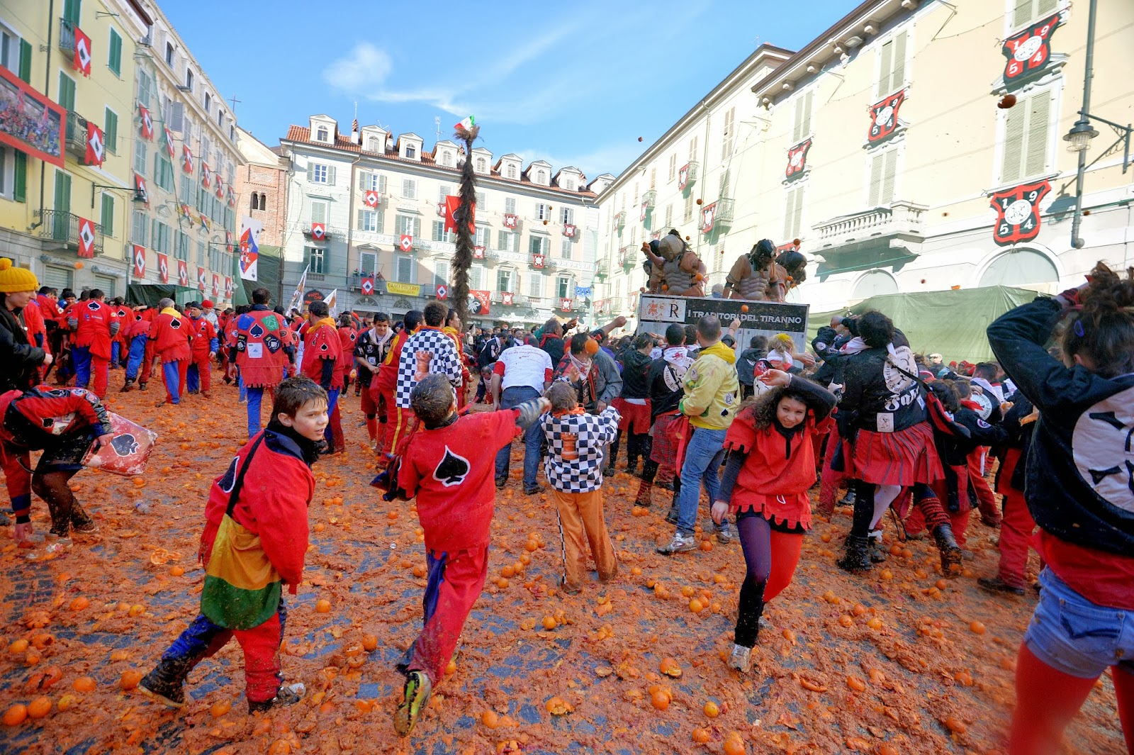 Carnival, Entertainment, Festival, Food, Food fight, Fruits, Italy, Ivrea, News, Offbeat, Oranges, Tradition, Feature, Culture,