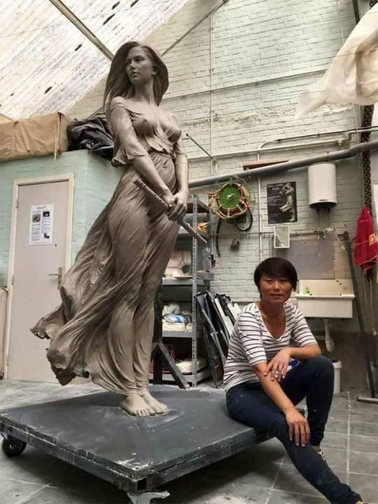 Free nude photos of angie harmon