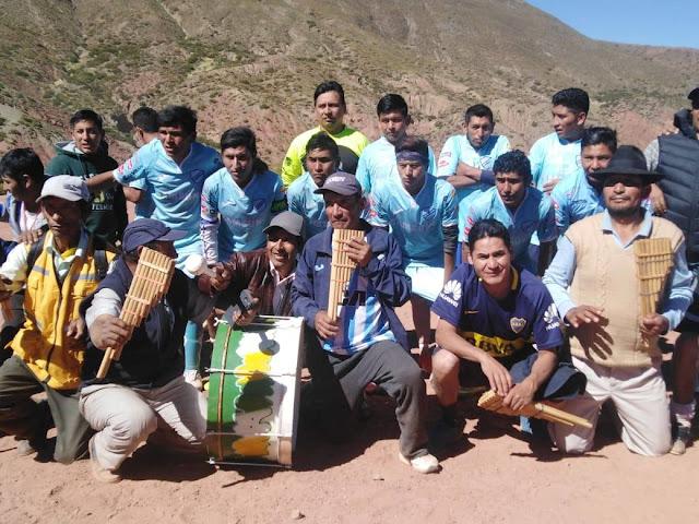 Club Bolivar y su banda de sampoñas